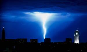 Ας παρηγορηθούμε λίγο: Δεν βρέχει μόνο στην Ελλάδα καλοκαιριάτικα (pics)