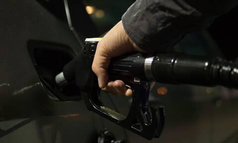 Πήγε να βάλει βενζίνη, έγινε έκρηξη και αποκαλύφθηκε κάτι που δεν περίμενε κανείς (pics)