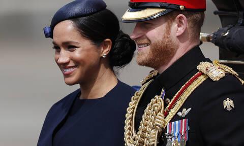 Γιατί ο πρίγκιπας Harry είπε στη Meghan να «γυρίσει» σε αυτό το βίντεο που έγινε viral;