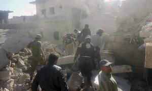 Συρία: 28 νεκροί σε νέους βομβαρδισμούς στην επαρχία Ιντλίμπ
