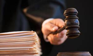 Το ανέκδοτο της ημέρας: Ο… ηλίθιος στο δικαστήριο