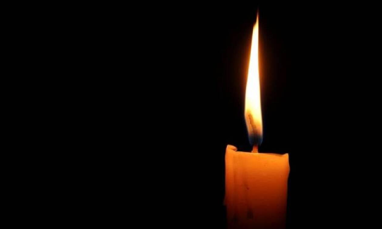 Θρήνος: Εκφώνησε τον επικήδειο του πατέρα του και πέθανε