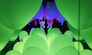 Ιαπωνία: «Έκρηξη» χρωμάτων στο Μουσείο Ψηφιακής Τέχνης (pics)