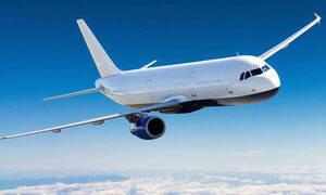 «Ασυγκράτητο» ζευγάρι έκανε σεξ εν πτήσει - Η ατάκα που έβαλε «φωτιά» στο αεροπλάνο