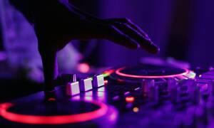 Τραγικός θάνατος για πασίγνωστο dj - Έπεσε από παράθυρο διαμερίσματος