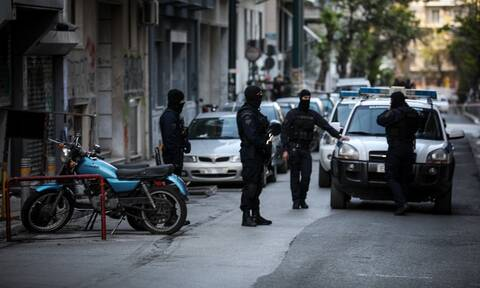 Συλλήψεις στην πλατεία Εξαρχείων για διακίνηση και κατοχή ναρκωτικών