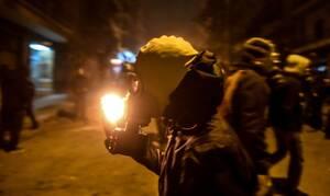 Εξάρχεια: Επίθεση με μολότοφ και πέτρες στα ΜΑΤ
