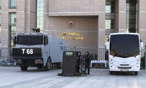 Τουρκία: 141 φορές ισόβια σε 17 κατηγορουμένους για το αποτυχημένο πραξικόπημα