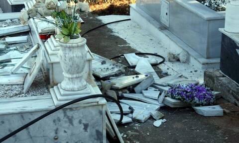 Φθιώτιδα: Κυνηγοί μετάλλων ρήμαξαν το νεκροταφείο στο Μοσχοχώρι