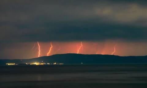 Επιστήμονας αποκαλύπτει: Αυτός είναι ο λόγος που θα βρέχει τον Ιούνιο στην Ελλάδα