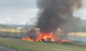 Συντριβή αεροσκάφους στη Χαβάη: Εννέα νεκροί – Εικόνες από το σημείο της τραγωδίας (vids)