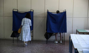Νέα δημοσκόπηση: Αυτή είναι η διαφορά ΣΥΡΙΖΑ - ΝΔ