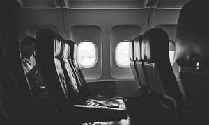 Βίωσε τον απόλυτο τρόμο στο αεροπλάνο: «Ξύπνησα παγωμένη και δεμένη στην θέση μου» - Δείτε τι έγινε