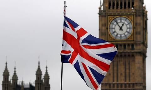 Συναγερμός στη Βρετανία: Εκκενώθηκε η Βουλή (vid)