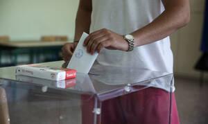 Νέα δημοσκόπηση: Διψήφια η διαφορά για ΣΥΡΙΖΑ και ΝΔ - Eπτακομματική η Βουλή
