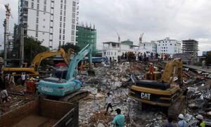 Καμπότζη: Στους 28 οι νεκροί από την κατάρρευση κτηρίου - Σώθηκαν από θαύμα δύο άτομα