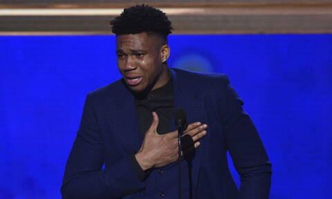 Έγραψε Ιστορία! Ο Γιάννης Αντετοκούνμπο αναδείχθηκε MVP του NBA (pics+vid)
