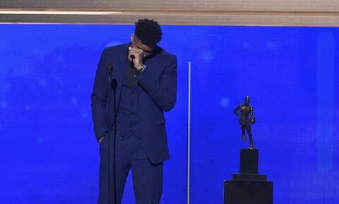 MVP o Γιάννης Αντετοκούνμπο - Η συγκλονιστική ομιλία του: Ευχαριστώ την Ελλάδα (pics&vids)