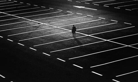 Θεσσαλονίκη: Πάρκαρε παράνομα - Δείτε τι έκαναν στο αμάξι του