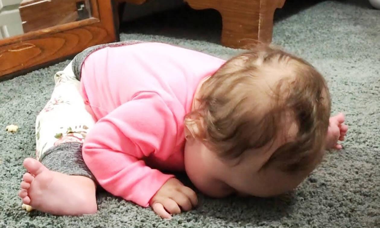 Όταν τα μωρά κάνουν πράγματα που οι γονείς δεν καταλαβαίνουν (vid)
