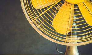 Το πανέξυπνο κόλπο που θα κάνει τον ανεμιστήρα σας να λειτουργεί σαν κλιματιστικό!