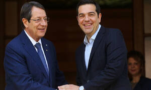 Κύπρος: Βλέπει Αλέξη Τσίπρα ο Νίκος Αναστασιάδης