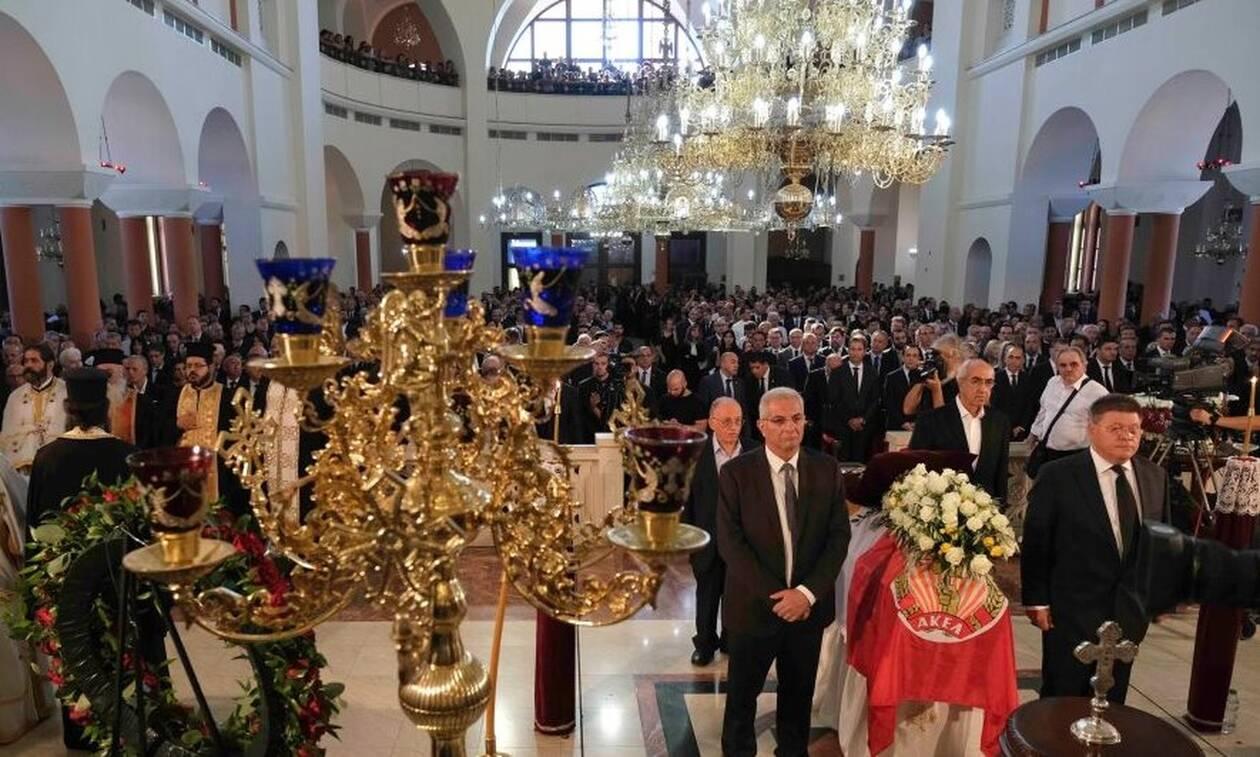 На Кипре простились с бывшим президентом страны Димитрисом Христофиасом