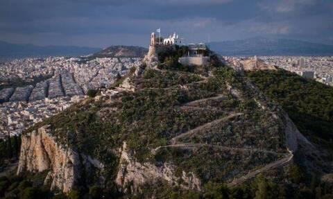 В Афинах из-за сильного ветра и высокой пожарной опасности закрыт вход на Ликавиттос