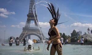Η Ευρώπη «λιώνει» από τον καύσωνα και ψάχνει απεγνωσμένα δροσιά (pics)