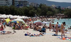Προσοχή: Σε ποιες θάλασσες της Αττικής απαγορεύεται η κολύμβηση