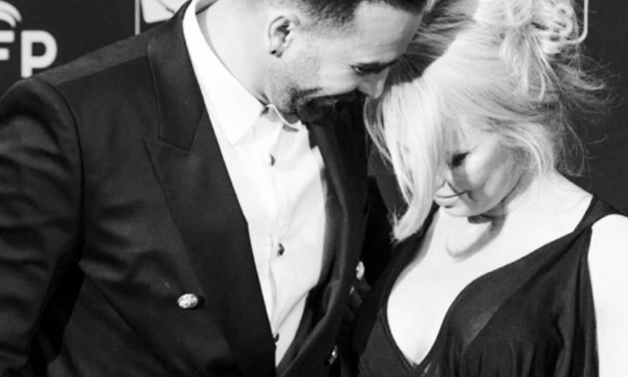Το απίστευτο ξεκατίνιασμα της Pamela Anderson με τον πρώην της στο Instagram
