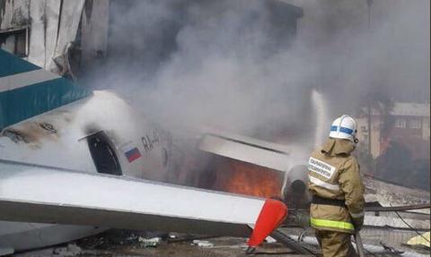 Τραγωδία στη Ρωσία: Αεροπλάνο έκανε αναγκαστική προσγείωση - 2 νεκροί