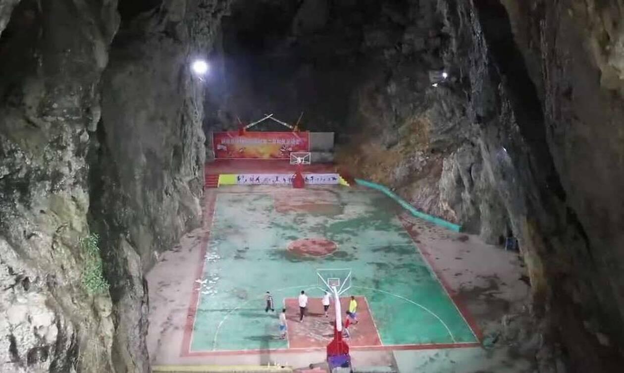 Επικό! Έφτιαξαν γήπεδο μπάσκετ σε σπηλιά (pics+vid)