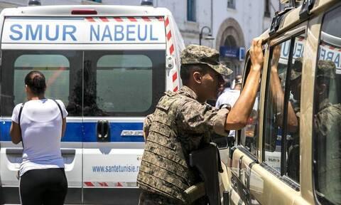 Τυνησία: Διπλή επίθεση αυτοκτονίας στο κέντρο της Τύνιδας - Χαροπαλεύει ο πρόεδρος (vids)