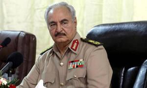 Ο στρατάρχης Χάφταρ διέταξε να στοχοθετούνται τουρκικά πλοία που πλέουν στα χωρικά ύδατα της Λιβύης