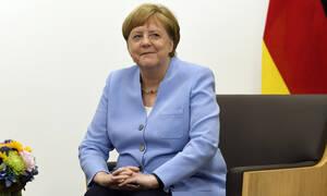 Η Μέρκελ απαντά για το τρέμουλο που έχει ανησυχήσει την Ευρώπη - Τα σενάρια για την υγεία της