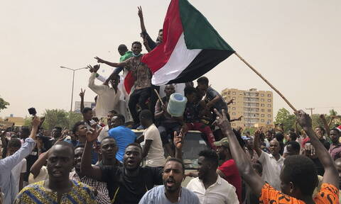Σε κατάσταση χάους το Σουδάν: Επτά νεκροί και 181 τραυματίες σε μαζικές διαδηλώσεις