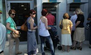 «Φωτιά» οι χρεώσεις στα ΑΤΜ: Πόσα χρήματα θα κρατάει η τράπεζα