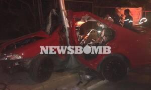 Εικόνες - σοκ από το τροχαίο στη Λεωφόρο Κηφισίας - Πώς «καρφώθηκε» το αυτοκίνητο στο φανάρι