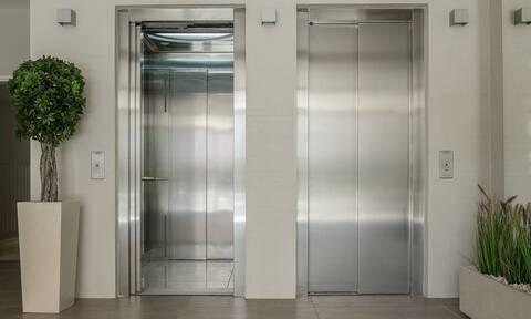 Εγκλωβίστηκε 27 ώρες σε ασανσέρ - Δείτε πώς άντεξε