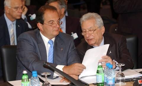 ΕΦ.ΣΥΝ: Έξι επιστολές έστειλαν Καραμανλής και Μολυβιάτης για το Σκοπιανό