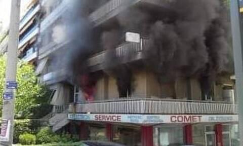 Φωτιά ΤΩΡΑ στη Νέα Σμύρνη - Στις φλόγες διαμέρισμα