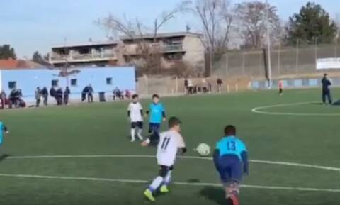 Ο 9χρονος Δημήτρης είναι ΣΙΓΟΥΡΑ ο Έλληνας Μέσι! (vid)