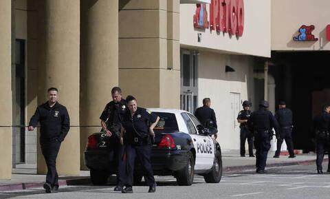 Θρίλερ στο Σαν Φρανσίσκο: Ένοπλος άνοιξε πυρ σε εμπορικό κέντρο