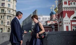Опрос: четверть россиянок зарабатывают больше своих мужей