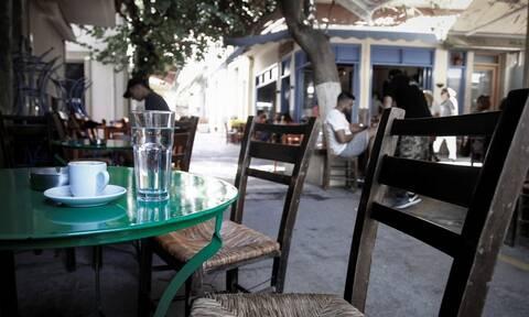 Αυτό είναι το πιο περίεργο καφενείο της Ελλάδας (vid)