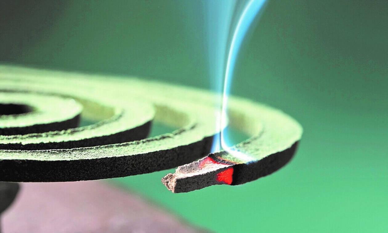Το ήξερες; Από τι φτιάχνεται το φιδάκι για τα κουνούπια; (pics+vid)