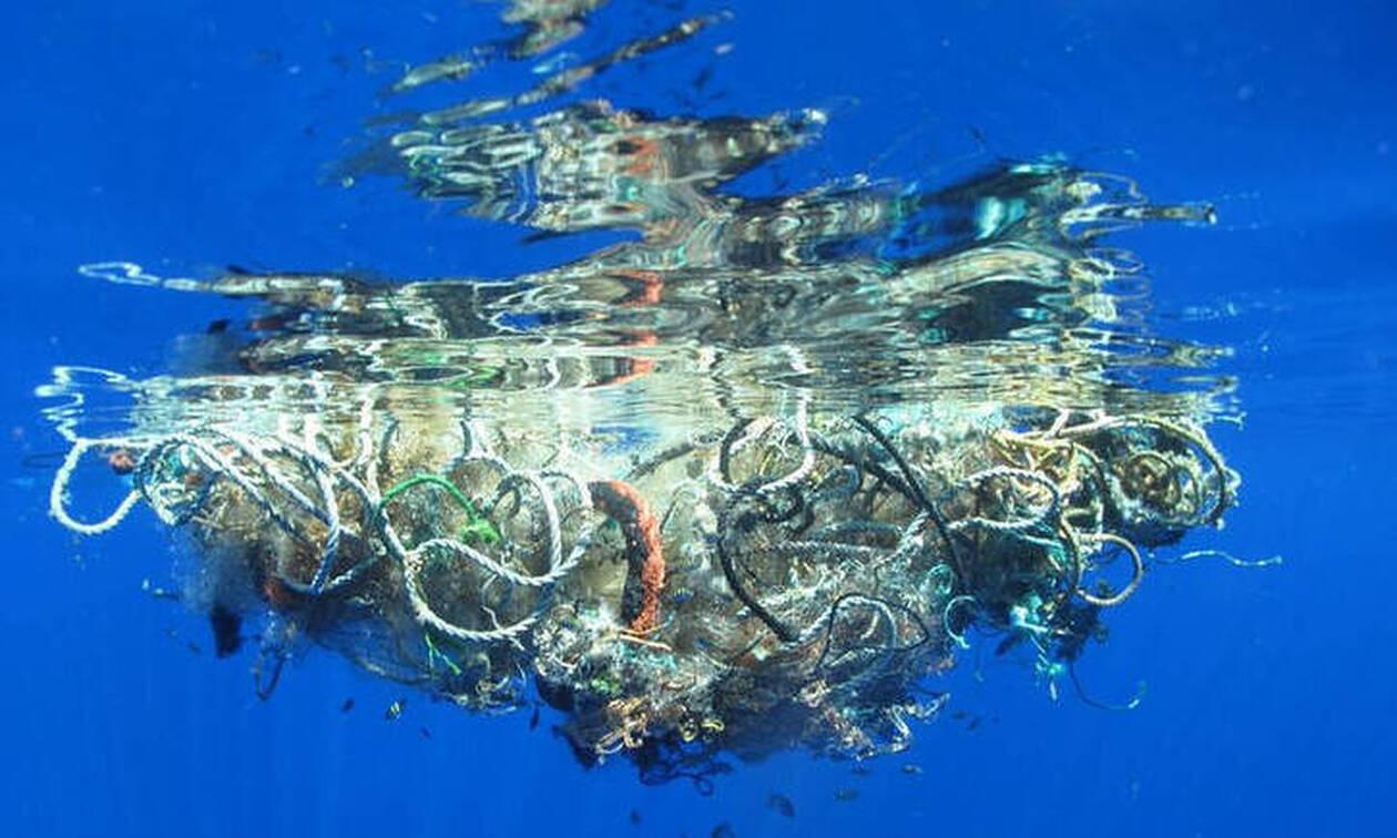 Ο πλανήτης εκπέμπει SOS: Τεράστιο δίχτυ - φάντασμα «σκοτώνει» τον Ειρηνικό (pics)