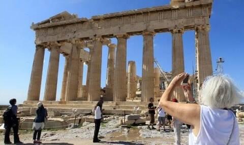Καύσωνας: Έκλεισε η Ακρόπολη - Αποπνικτική η ατμόσφαιρα στην Αθήνα