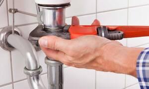 Μεσολόγγι: «Πάγωσαν» με αυτό που βρήκε ο υδραυλικός στις σωληνώσεις σπιτιού